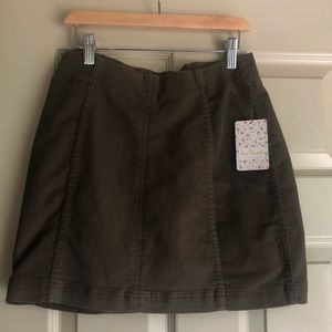 Free People Olive skirt size 4 NWT
